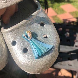 Elsa Frozen Crocs . 💙